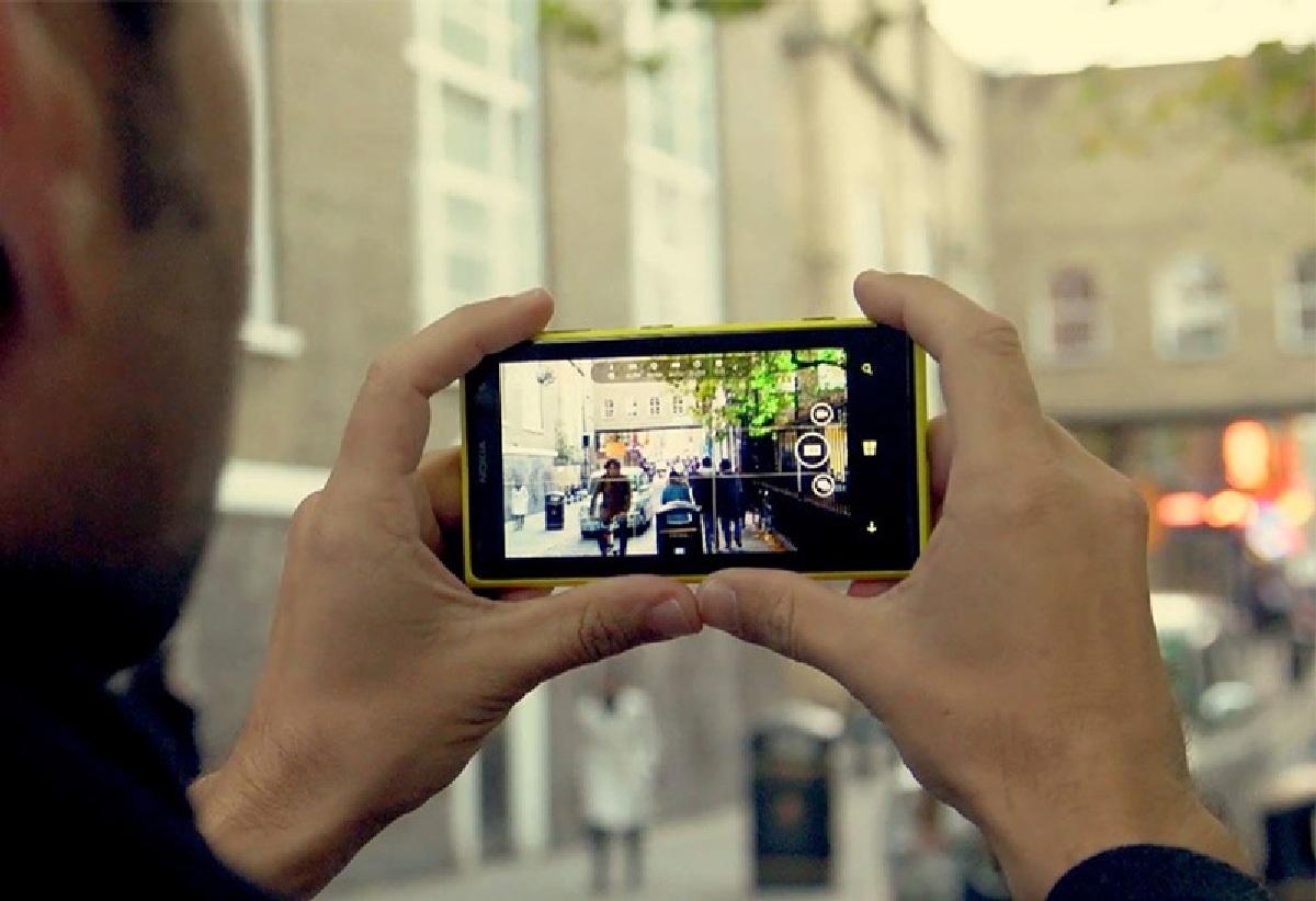 Как монтировать фотографии на телефоне
