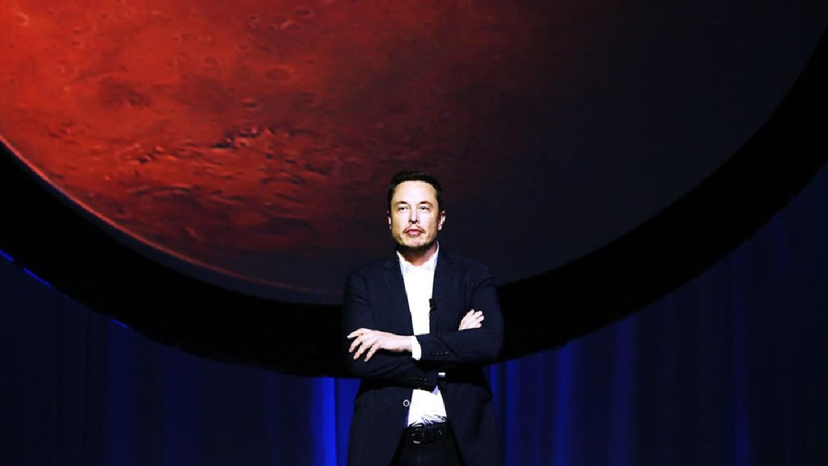 Илон Маск хочет полететь на Марс, не смотря на риски