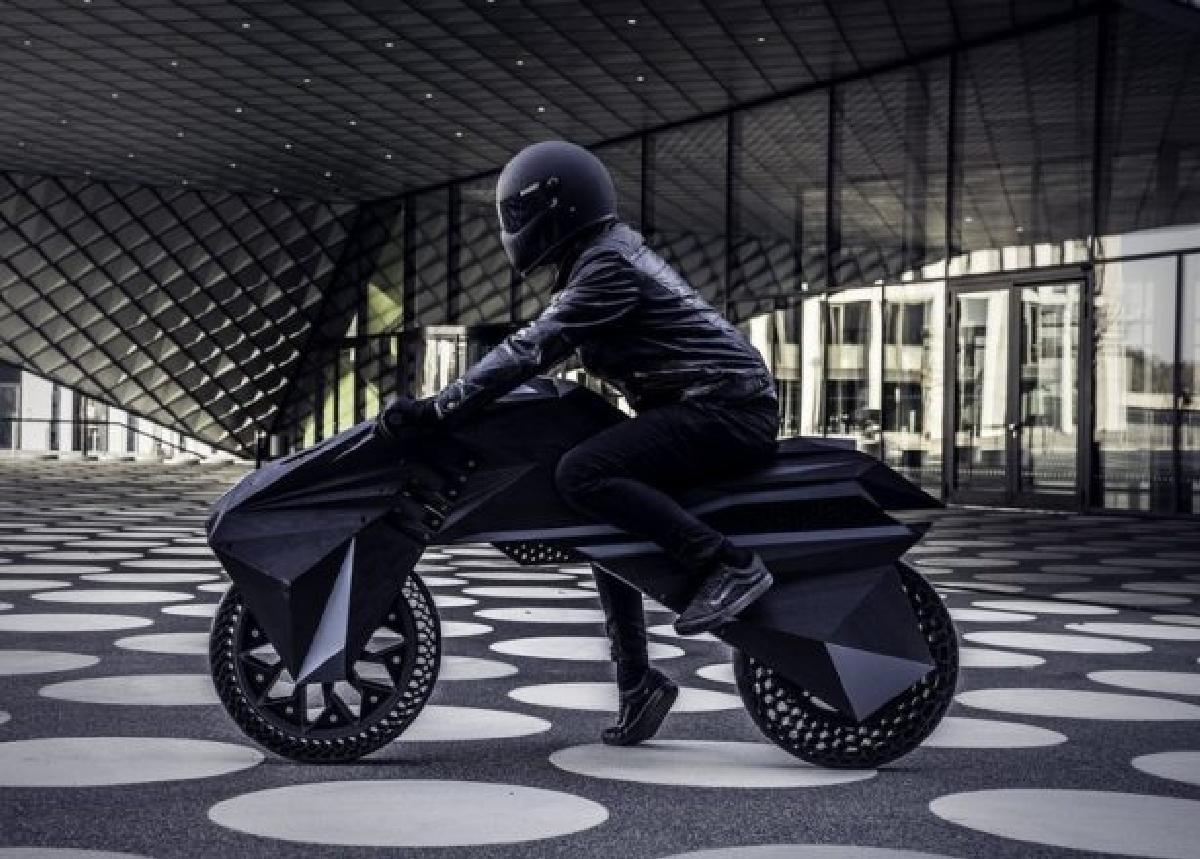 Электромотоцикл, распечатанный на 3D принтере