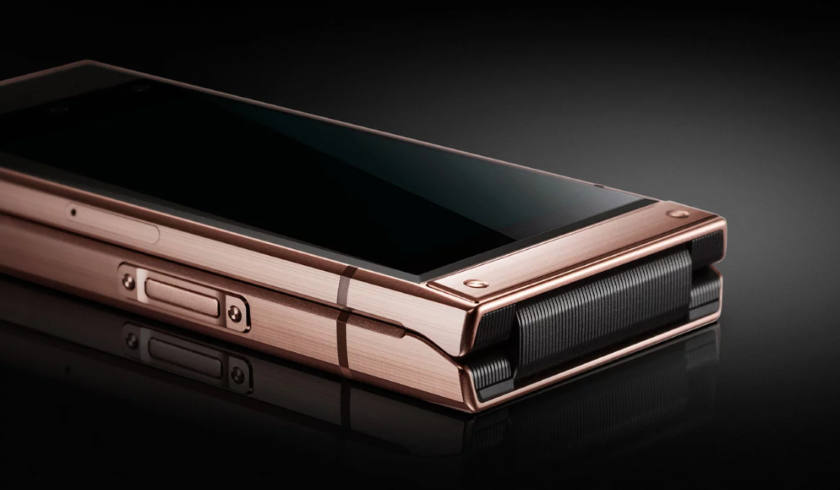 Samsung W2019 имеет два Super AMOLED-дисплея с разрешением Full HD