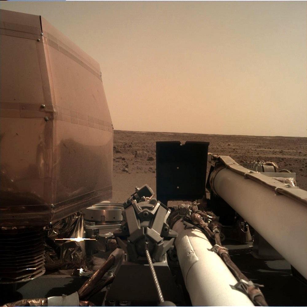 Первое четкое фото с поверхности Марса