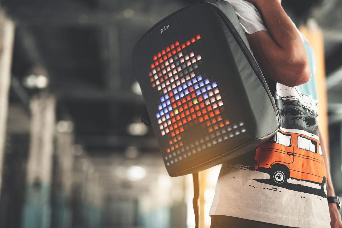 Анимированный рюкзак от Pix собрал $150000