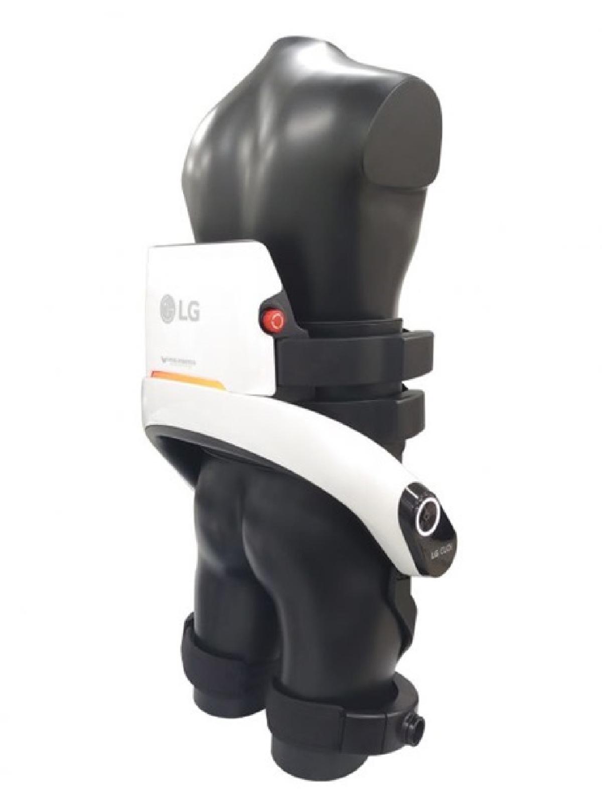 При использовании конструкции человек меньше устает, поскольку часть нагрузки насебя берет робот