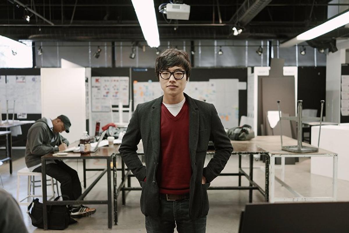 Переход Кима связан свозвращением вApple несколько месяцев назад старшего автоинженера Tesla, Дага Филда