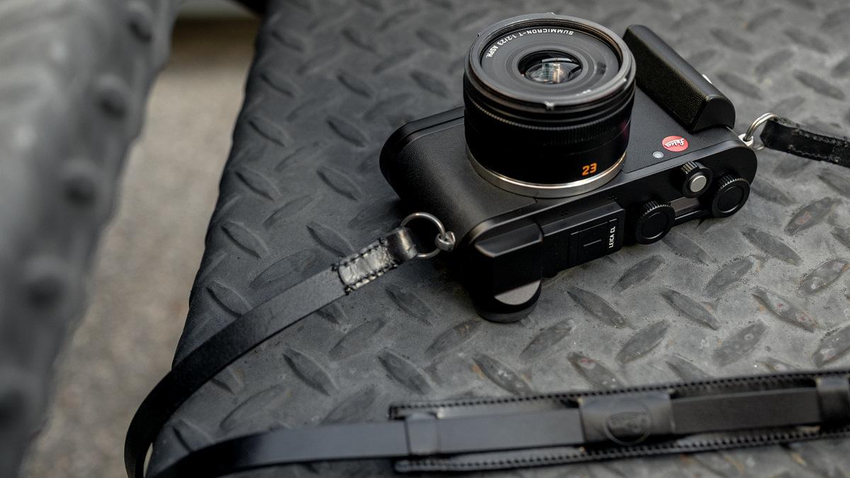 Модель Leica CL Street Kit предназначена для уличных фотографов
