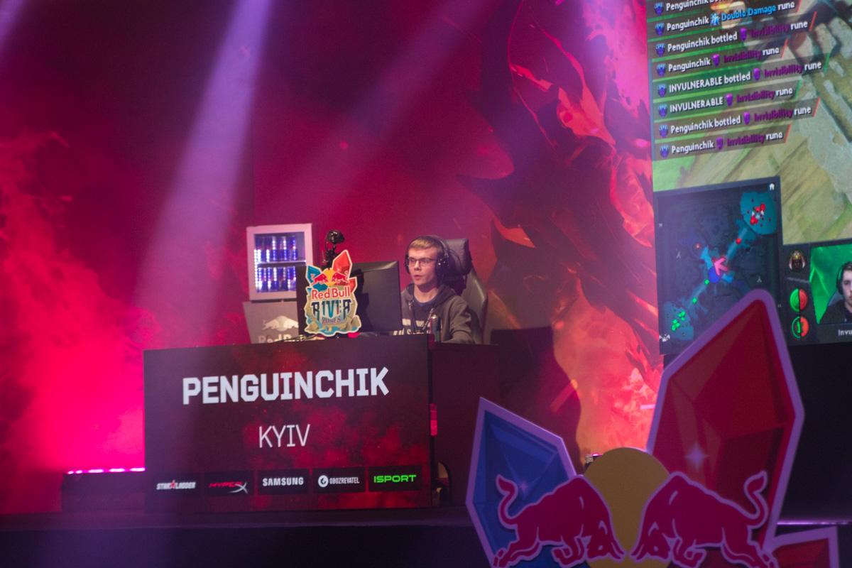 Турнир Red Bull R1v1r Runes для украинских геймеров начался с 8 отборочных турниров