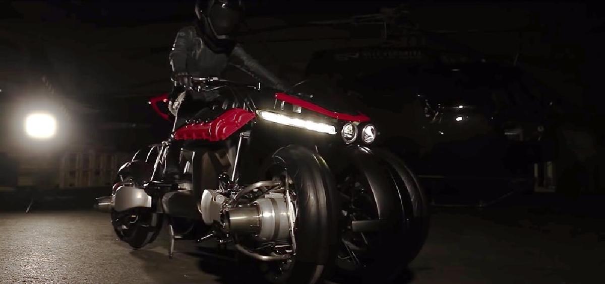 Мотоцикл-трансформер может как парить над землей, так и просто ездить по дороге на колесах