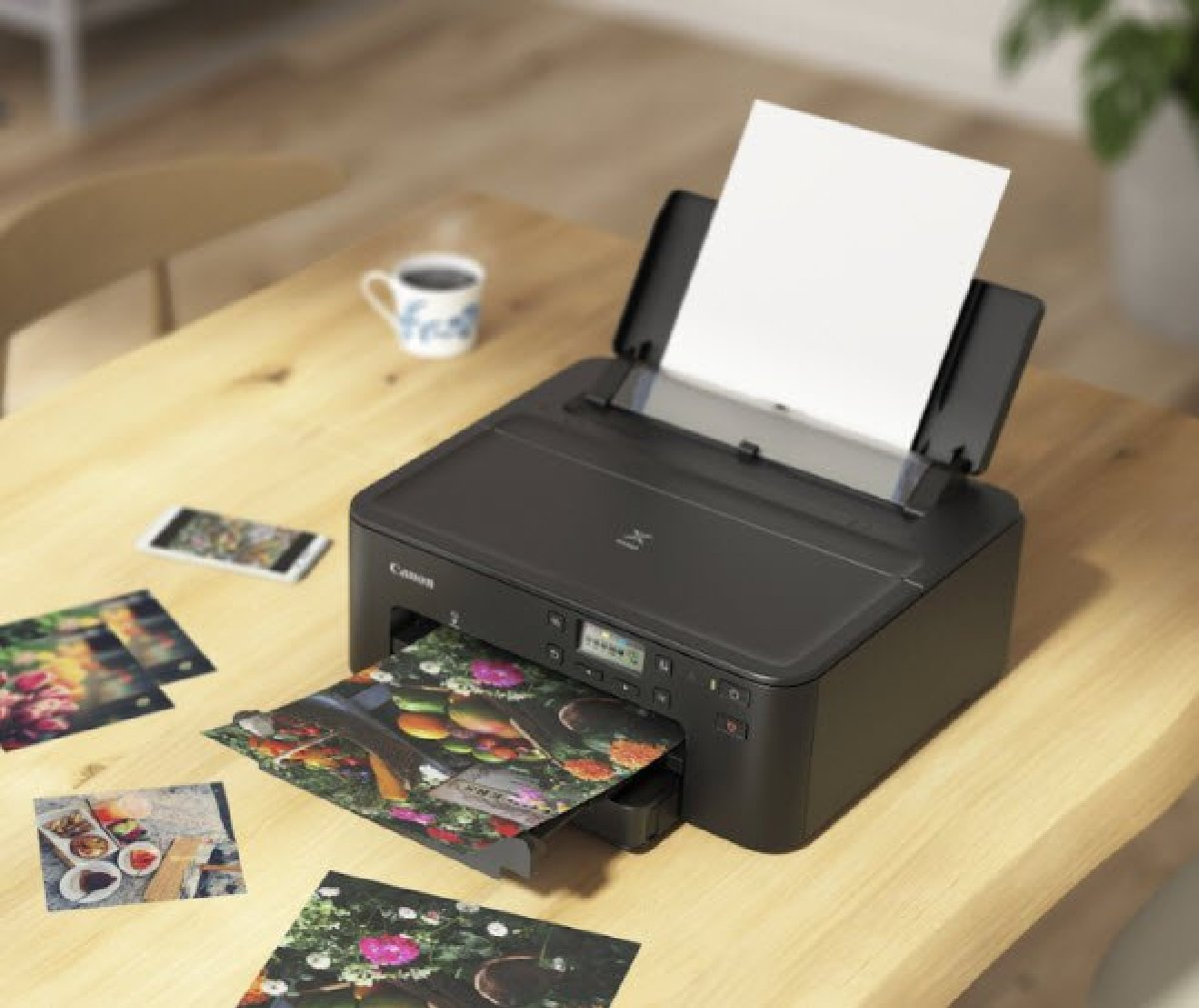 В принтере предусмотрена система звуковых уведомлений о состоянии и уровне чернил