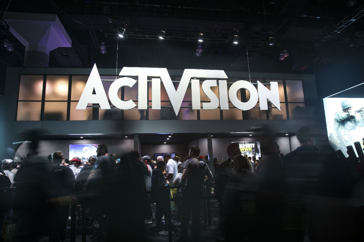 Акции Activision упали после расторжения контракта с Bungie