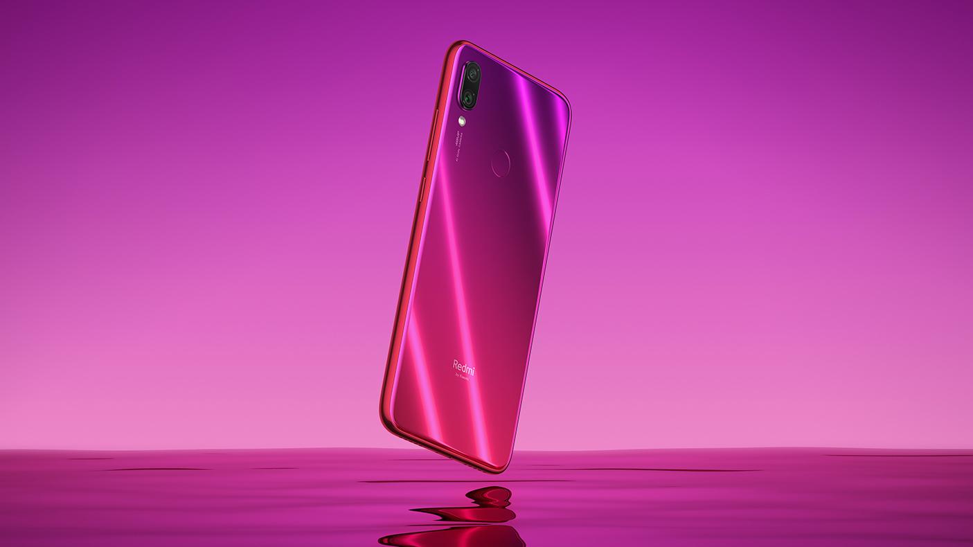 Вид на Note 7 в розовом окрасе