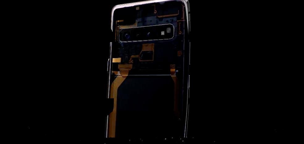 И даже заинтриговали новым смартфоном Samsung 5G
