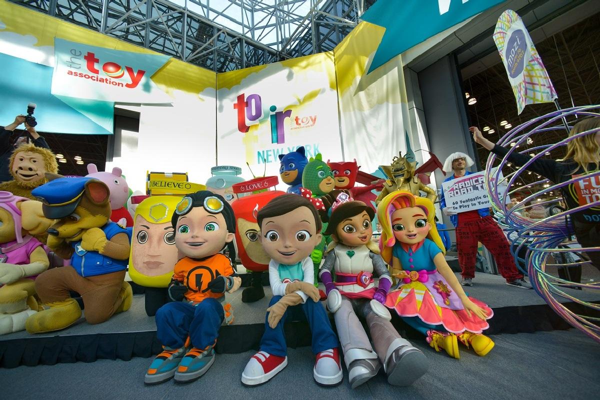 На огромной ярмарке игрушек Toy Fair создатели продемонстрируют вектор развития индустрии игрушек в этом году