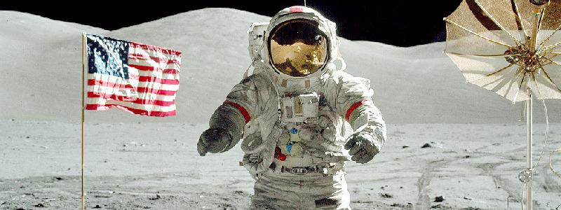 Картинки по запросу 1969 Человек впервые ступил на поверхность Луны