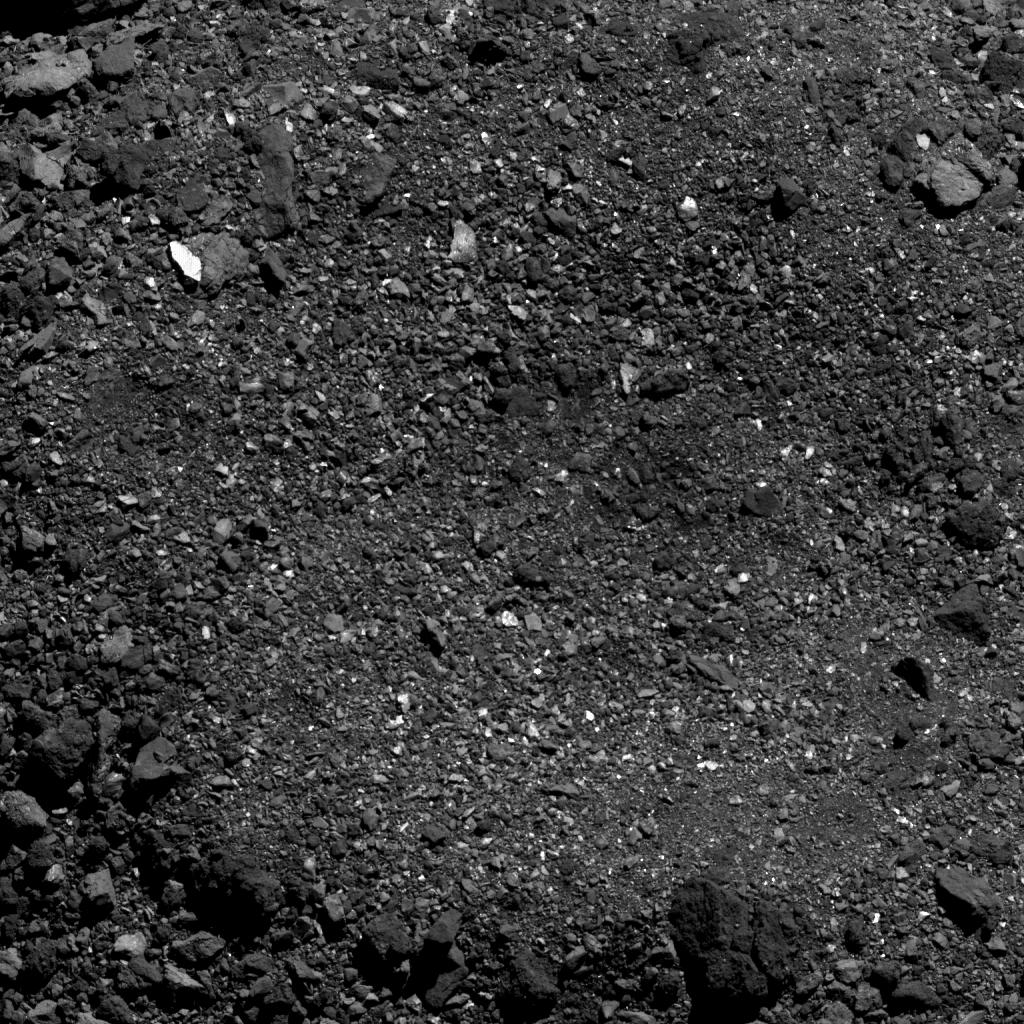 Основной задачей миссии OSIRIS-REx является изучение околоземного астероида Бенну