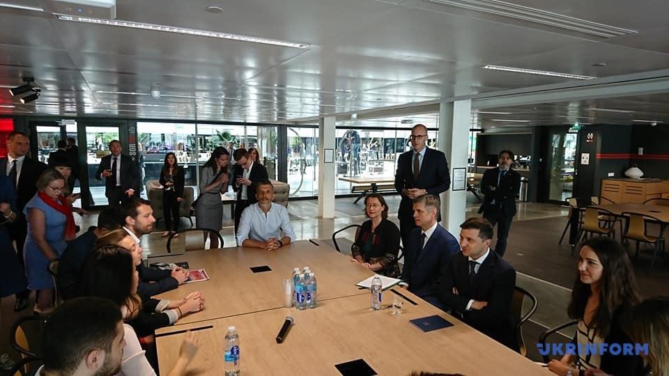 Президент чувствует себя очень свободно и комфортно в среде специалистов IT-отрасли