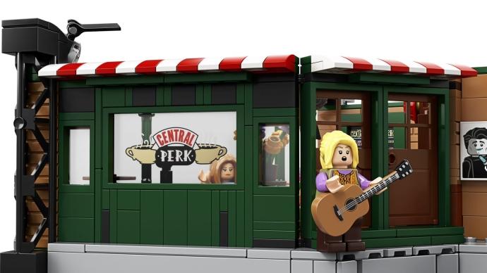 """Фиби с гитарой и песня """"Вонючая кошка"""" - одно из самых ярких воспоминаний о сериале"""