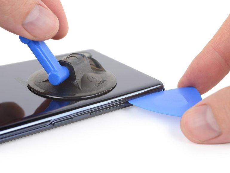 Ремонтопригодность Samsung Galaxy Note 10+ 5G оценили на 3 балла из 10 возможных