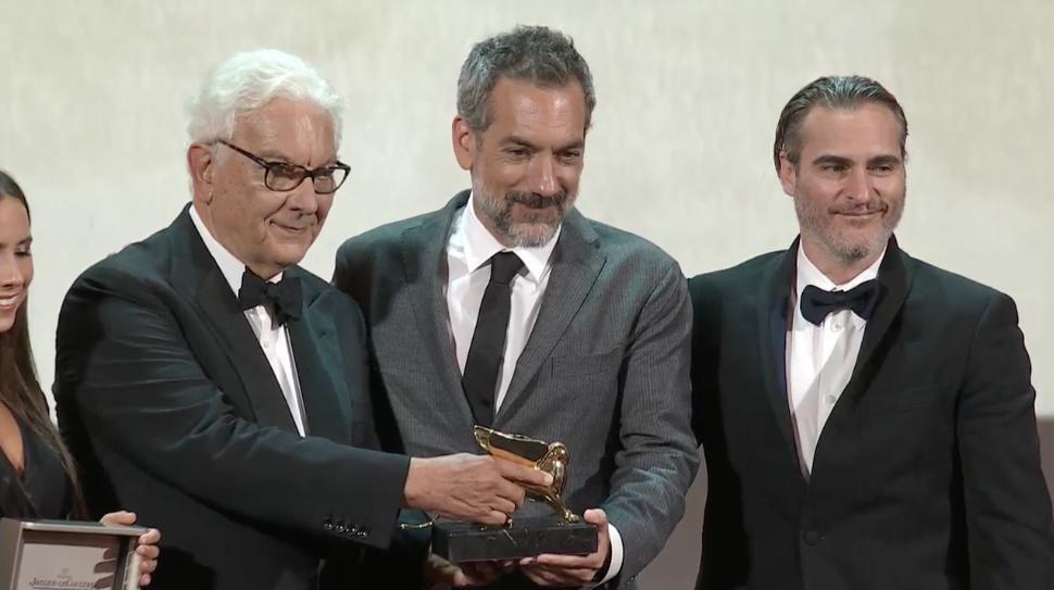 Режиссер Тодд Филлипс получил за «Джокера» высшую награду Венецианского кинофестиваля — «Золотого льва»