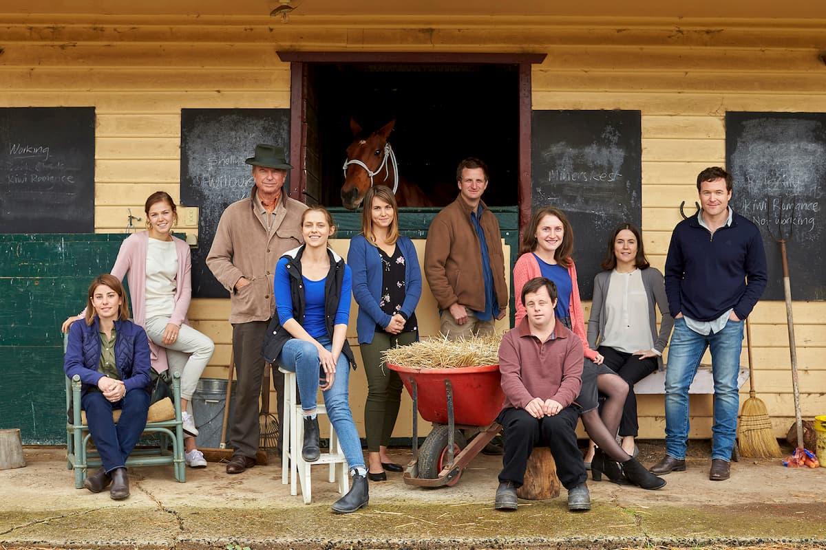 Актерская семья Пейн (действительно Пейн здесь только Стивен - парень с синдромом Дауна)