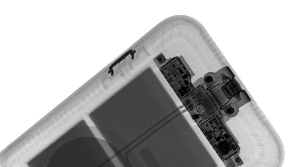 Чтобы изучить конструкцию новинок, эксперты сделали снимки с помощью рентген-аппарата