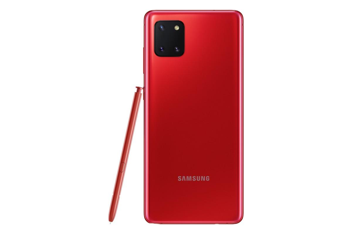 Модель Galaxy Note10 Lite получила отличительную особенность серии Note – фирменное электронное перо S Pen