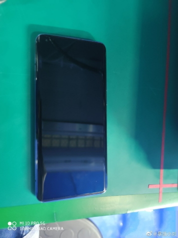 """В сети появились """"живые"""" фото Xiaomi Mi 10 Pro 5G"""