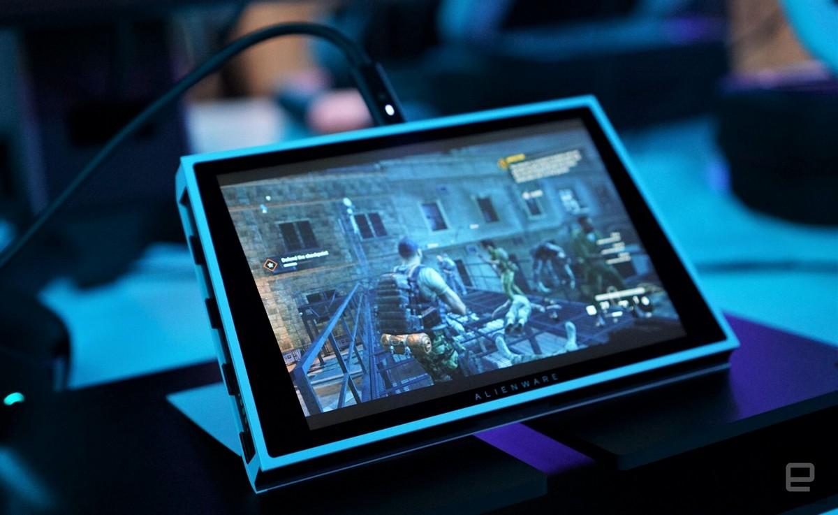Гаджет имеет форм-фактор планшета с отсоединяемыми контроллерами по бокам