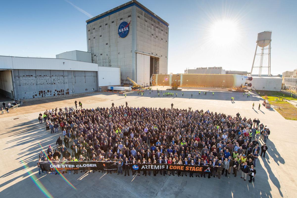 Команда, которая работает над Space Launch System