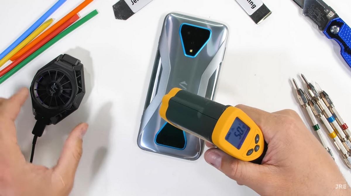 Зак измерил температуру съемного кулера