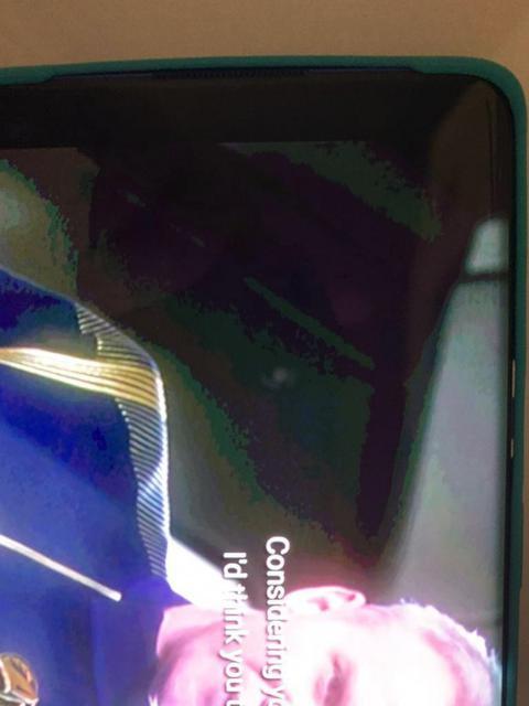 У OnePlus 8 Pro начались проблемы в работе экрана
