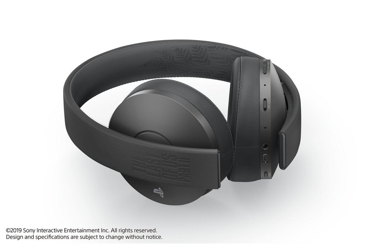 Также Sony представила илимитированную версию беспроводных наушников Limited Edition Gold Wireless Headset
