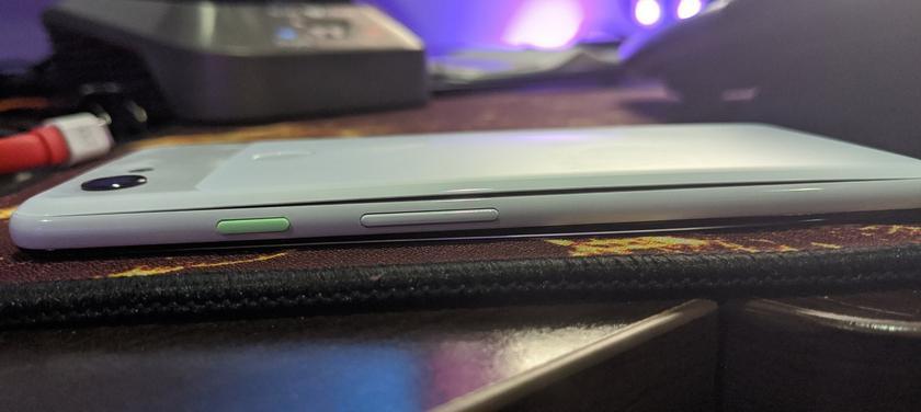 У смартфонов Google Pixel 3 и Pixel 4 начали вздуваться аккумуляторы
