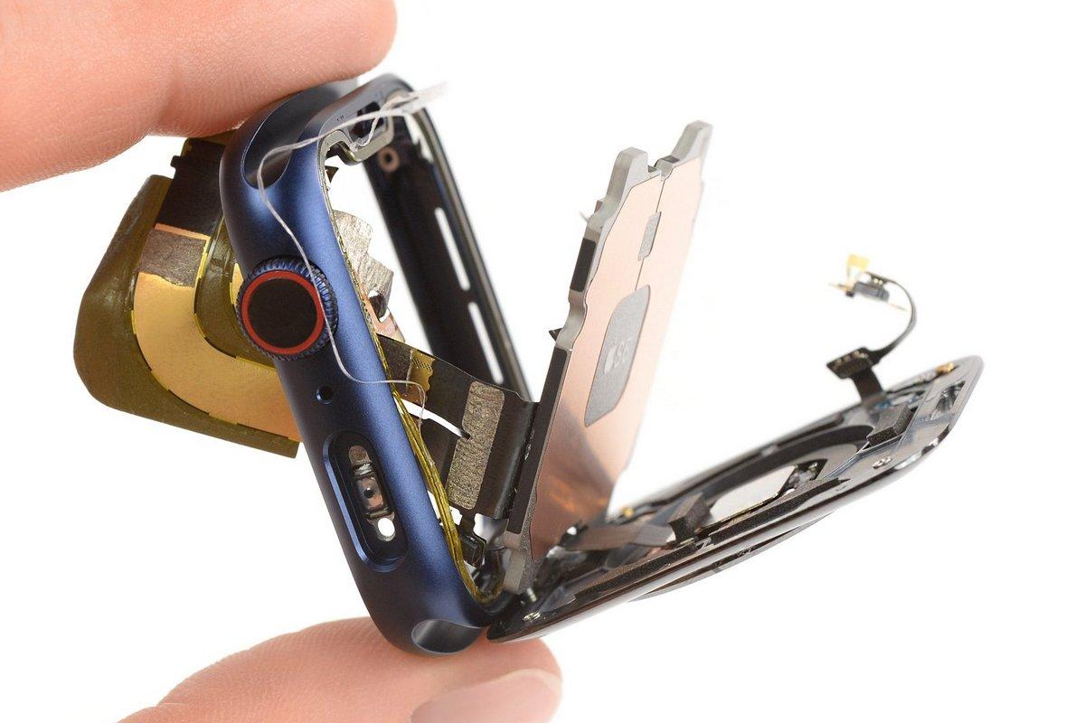 Во время разборки выяснилось, что из новой модели исчезли аппаратные компоненты, ответственные за работу Force Touch