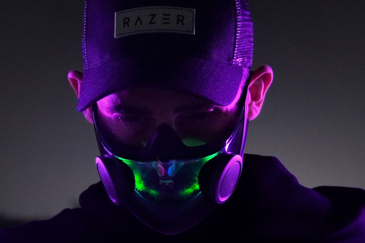 Razer представила многоразовую маску N95 с усилителем голоса и подсветкой